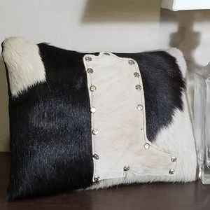 Pillow #1696